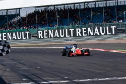 Oliver Rowland, Fortec Motorsports ottiene la vittoria