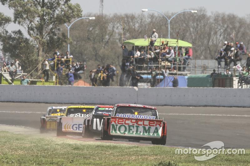 Ніколас Бонеллі, Bonelli Competicion Ford та Гільєрмо Ортеллі, JP Racing Chevrolet та Омар Мартінез,