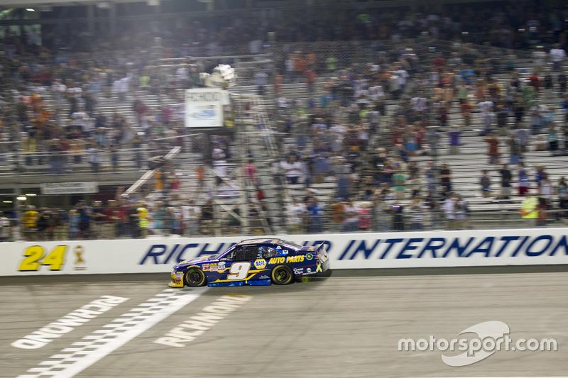 Race winner Chase Elliott, JR Motorsports Chevrolet