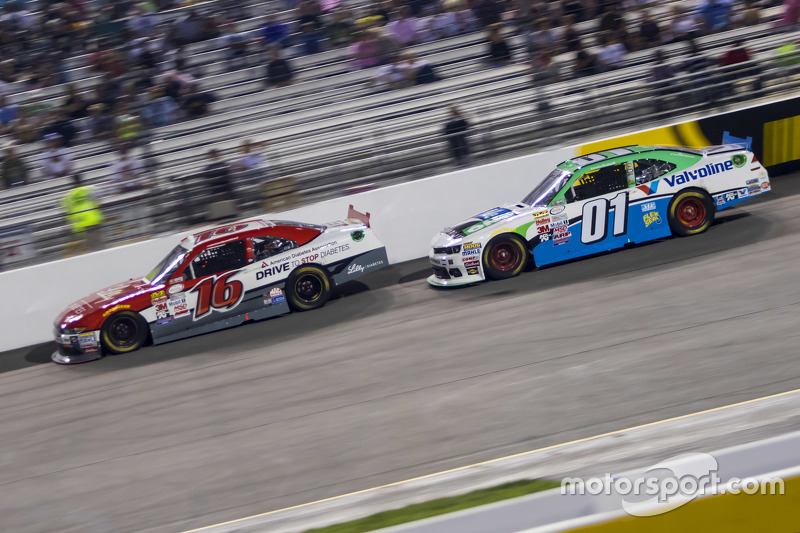 Ryan Reed, Roush Fenway Racing Ford and Landon Cassill, JD Motorsports Chevrolet