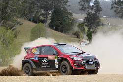Justin Dowel ve Toni Feaver, Hyundai i20 proto