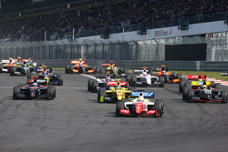 Inicio: Oliver Rowland, Fortec Motorsports lidera