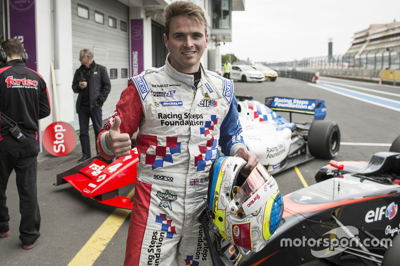 Race winner Oliver Rowland, Fortec Motorsports