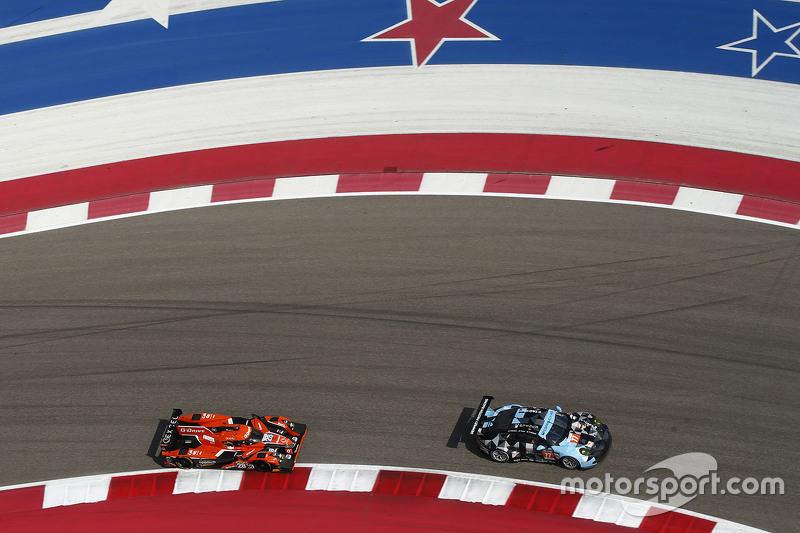 #28 G-Drive Racing Ligier JS P2: Ricardo Gonzalez, Pipo Derani, Gustavo Yacaman; #77 Dempsey Proton Competition Porsche 911 RSR: Patrick Dempsey, Patrick Long, Marco Seefried