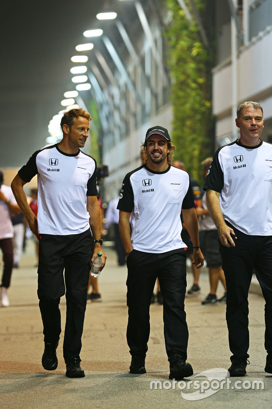 Jenson Button, McLaren with Fernando Alonso, McLaren and Dave Redding, McLaren Sporting Director