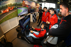 Marco Bonanomi intenta su mano en iRacing