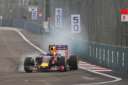 Daniil Kvyat, Red Bull Racing RB11 trava na freada