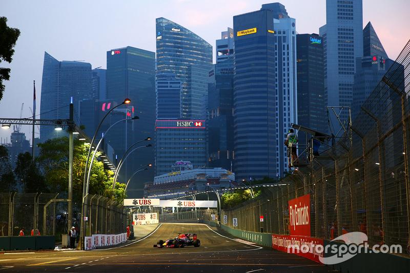 Singapore circuit atmosphere