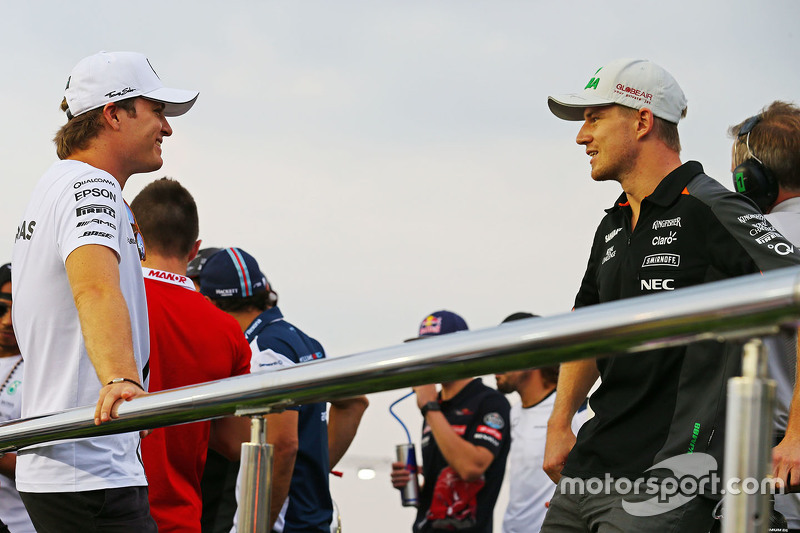 Ніко Росберг, Mercedes AMG F1 з Ніко Хюлкенберг, Sahara Force India F1 на параді пілотів