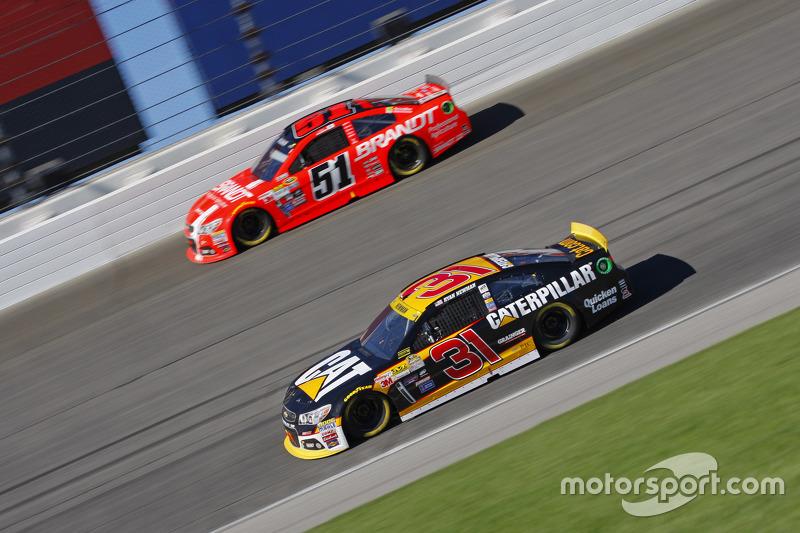 Ryan Newman, Richard Childress Racing Chevrolet; Justin Allgaier, HScott Motorsports Chevrolet
