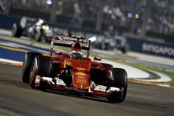Kimi Raikkonen, Ferrari, SF15-T
