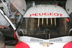 Seat fitting for Jacques Villeneuve