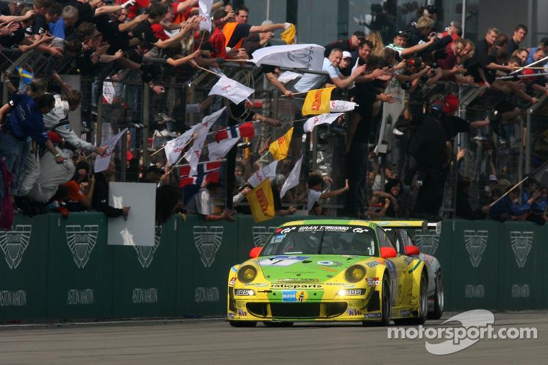 2007: Timo Bernhard, Marc Lieb, Romain Dumas, Marcel Tiemann (Porsche 911 GT3 RSR)