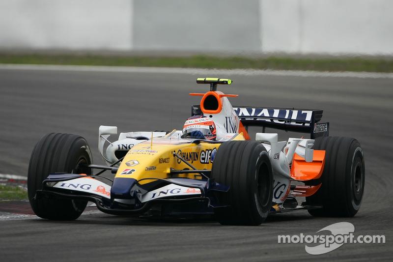#4: Хейккі Ковалайнен, Renault F1 Team, R27