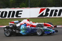 Jenson Button, Honda Racing F1 Team RA107; Jarno Trulli, Toyota TF107