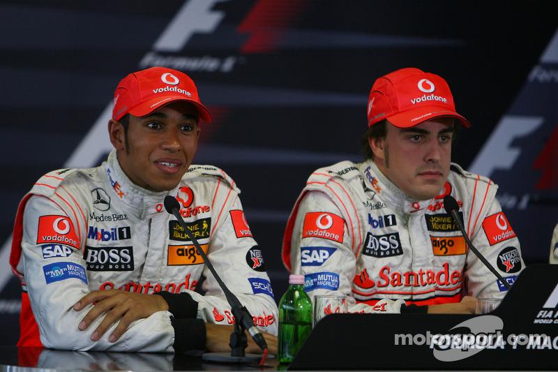 Lewis Hamilton heredó la pole de Alonso en Hungría 2007 porque este le obstaculizó en un cambio de neumáticos