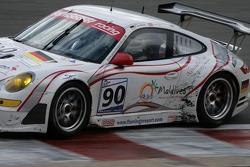 Eau Rouge: #90 Farnbacher Racing Porsche 997 GT3 RSR: Dirk Werner, Pierre Ehret, Lars Erik Nielsen