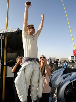 Ryan Hunter-Reay and girlfriend Beccy celebrate the win