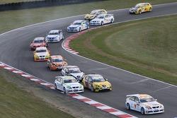 Felix Porteiro, BMW Team Italy-Spain, BMW 320si WTCC devant, Augusto Farfus, BMW Team Germany, BMW 3