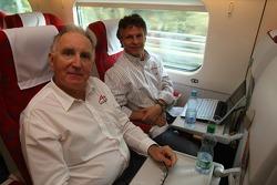 John Watson with Jan Lammers, Seat HoldersA1 Team Netherlands