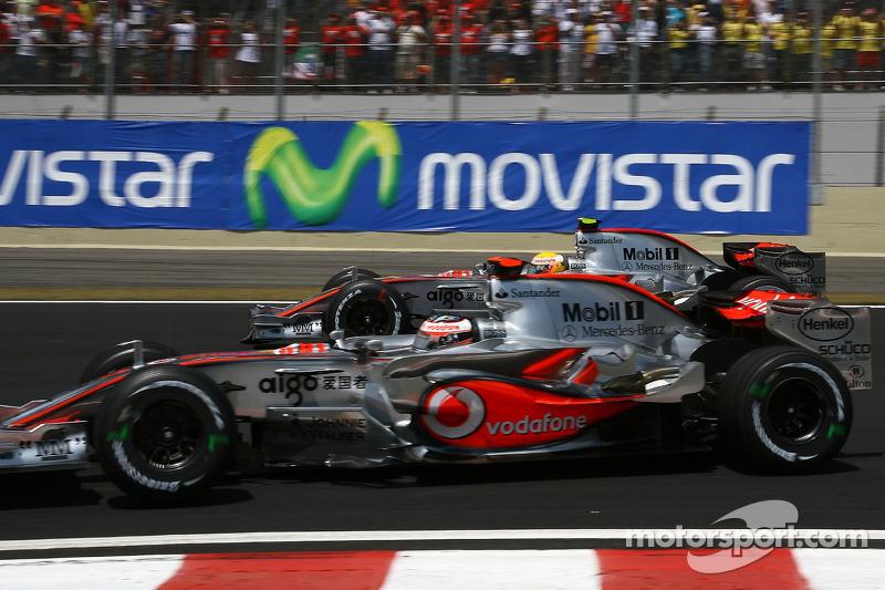 Start: Fernando Alonso, McLaren Mercedes, MP4-22 and Lewis Hamilton, McLaren Mercedes, MP4-22
