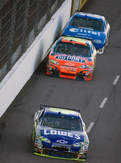 Jimmie Johnson leads Jeff Gordon and Ryan Newman