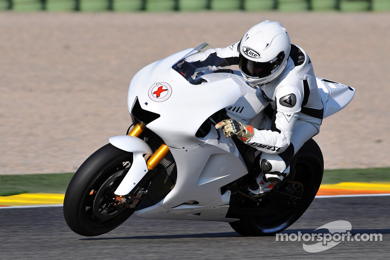 250cc World Champion Jorge Lorenzo tests the Yamaha YZR-M1 for the first time at Valencia ...
