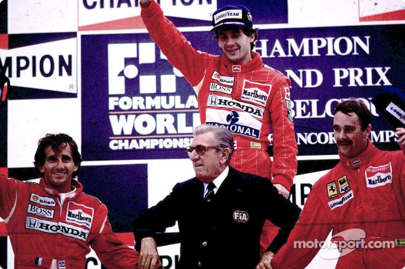 Podium : le vainqueur Ayrton Senna avec Alain Prost et Nigel Mansell