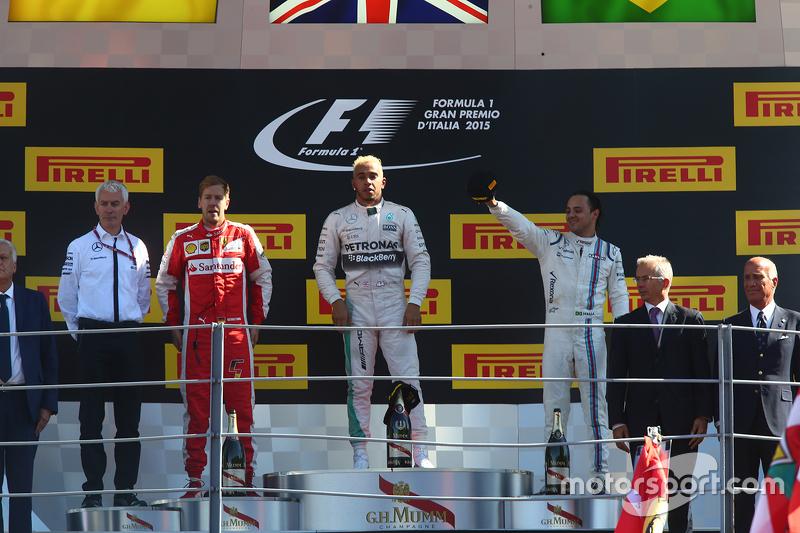 Podium: race winner Lewis Hamilton, Mercedes AMG F1 Team, second place Sebastian Vettel, Ferrari, th