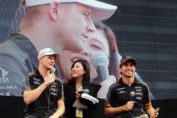 Nico Hulkenberg, Sahara Force India F1 e Sergio Perez, Sahara Force India F1