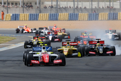Старт: Оливер Роуленд, Fortec Motorsports лидирует