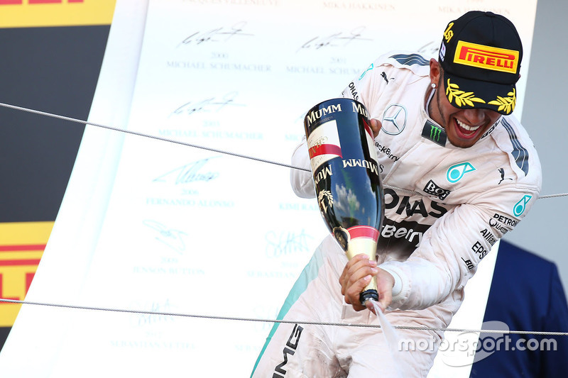 Race winner Lewis Hamilton, Mercedes AMG F1 Team celebrates on the podium