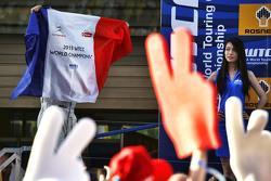 Le vainqueur de la course, Yvan Muller, Citroën C-Elysee WTCC, Citroën World Touring Car team