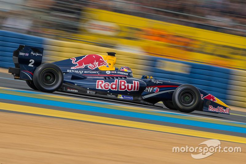 "2015: <img src=""https://cdn-7.motorsport.com/static/img/cfp/0/0/0/200/227/s3/united_kingdom-2.jpg"" alt="""" width=""20"" height=""12"" />Дин Стоунмен"