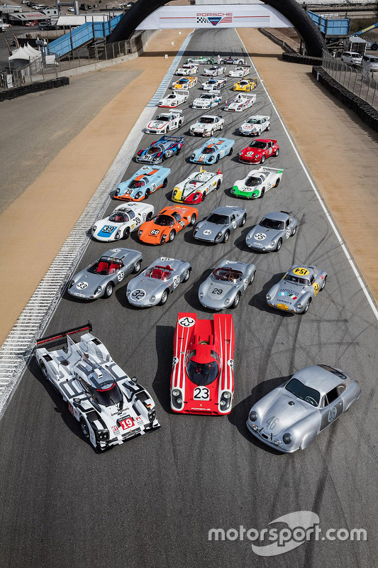 Porsche group photo for Rennsport Reunion V