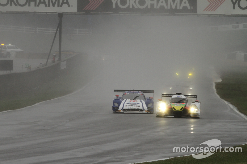 #60 Michael Shank Racing з Curb/Agajanian Ligier JS P2 Honda: Джон Пью, Освальдо Негрі Jr., Мет МакМуррі