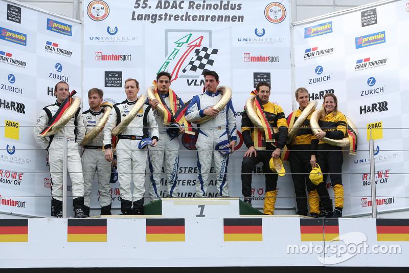 Podium: winners Marc Busch, Dennis Busch, second place Yelmer Buurman, Thomas Jäger, Jan Seyffarth, third place Felipe Laser, Michaela Cerruti, Jesse Krohn