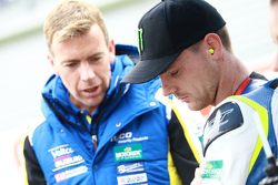Alex Lowes, VOLTCOM Crescent Suzuki, et Paul Denning, team manager