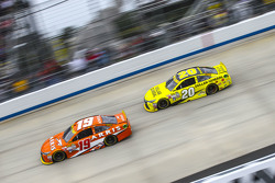 Carl Edwards, Joe Gibbs Racing Toyota; Matt Kenseth, Joe Gibbs Racing Toyota