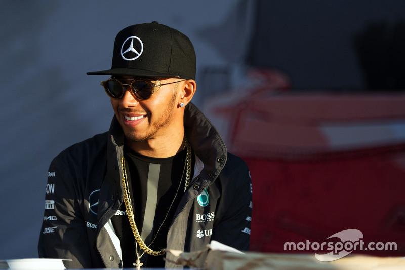 Весь сезон шел под диктовку Mercedes и Хэмилтона, и Кубок конструкторов у команды из Брэкли был практически в кармане