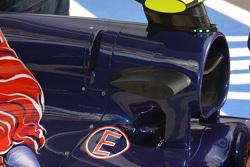 Toro Rosso STR10, dettaglio aperture sul cofano motore