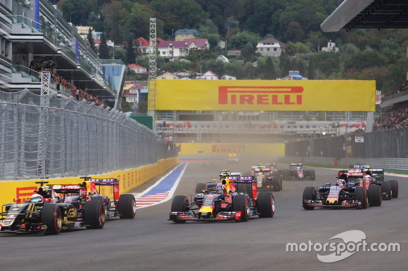 Даниил Квят, Red Bull Racing RB11 на старте гонки
