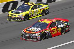 Paul Menard, Richard Childress Racing Chevrolet; Austin Dillon, Richard Childress Racing Chevrolet