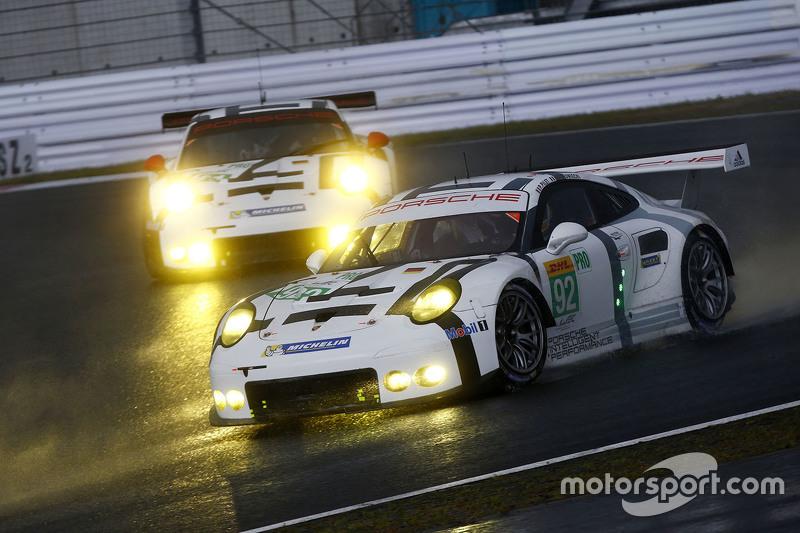 #92 Porsche Team Manthey Porsche 911 RSR: Frédéric Makowiecki, Patrick Pilet