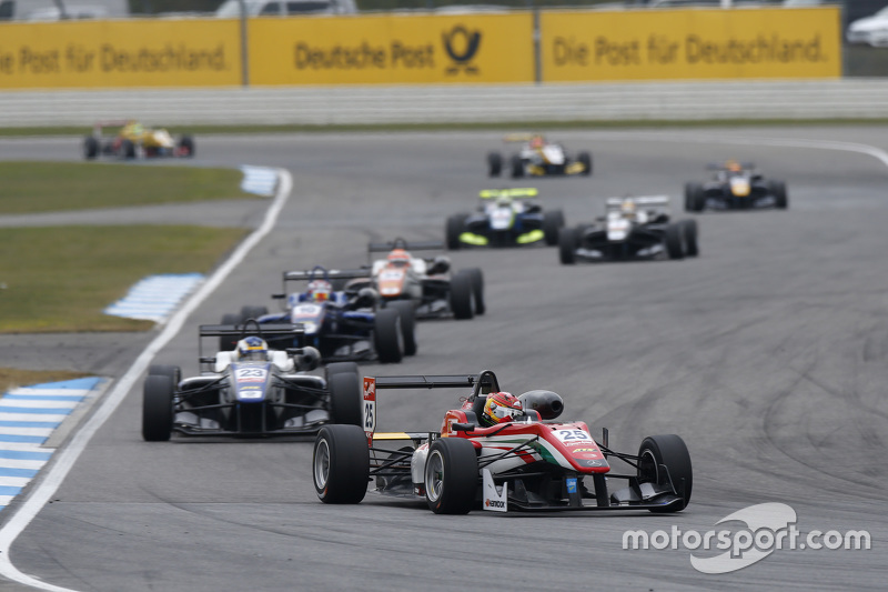 Lance Stroll, Prema Powerteam Dallara Mercedes-Benz and Sergio Sette Camara, Motopark Dallara Volkswagen