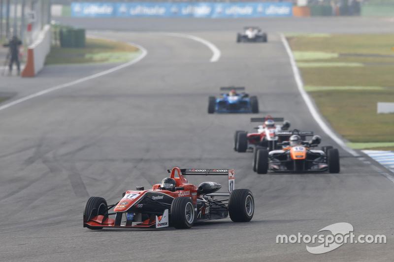 Julio Moreno, ThreeBond with T-Sport Dallara NBE and Matt Solomon, Double R Racing Dallara Mercedes-Benz