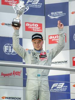 Гонка 2 третє місцеФелікс Розенквіст, Prema Powerteam Dallara Mercedes-Benz