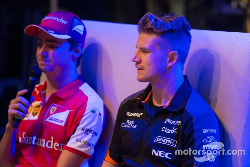 Ніко Хюлкенберг, Sahara Force India F1, та Естебан Гутьєррес, Ferrari Тестовий та резервний гонщик н