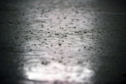 Fuerte lluvia cancela la FP2