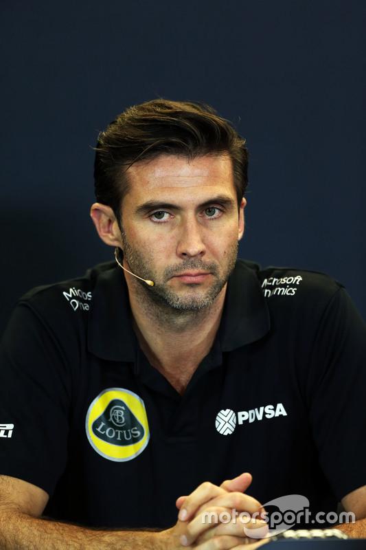 Matthew Carter, Lotus F1 Team CEO in de FIA persconferentie
